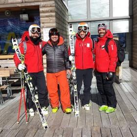 Entrevistamos a Jon Santacana y Miguel Galindo, Equipo Paralímpico Español de Esquí. Nos visita Marcos Castañon fundador de Blueberry Skis. Dos rutas de travesía para empezar la temporada.